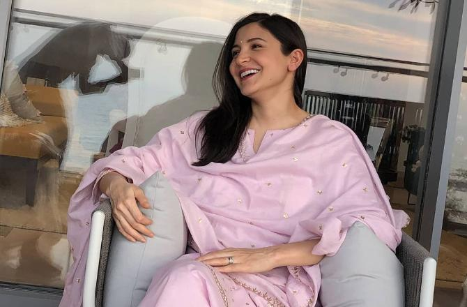 Anushka Sharma flaunts baby bump in this 'perfect chai time candid photo' clicked by her dad