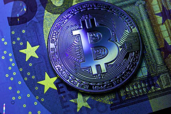 Big banks take baby steps toward commercializing blockchain