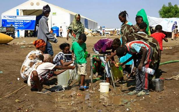 Heavy shelling hits capital of Ethiopia's Tigray: regional govt, aid workers
