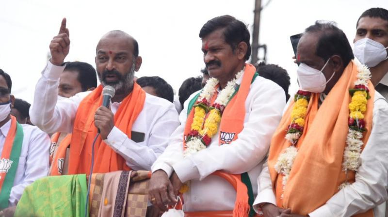Many TRS leaders set to embrace BJP, says Bandi