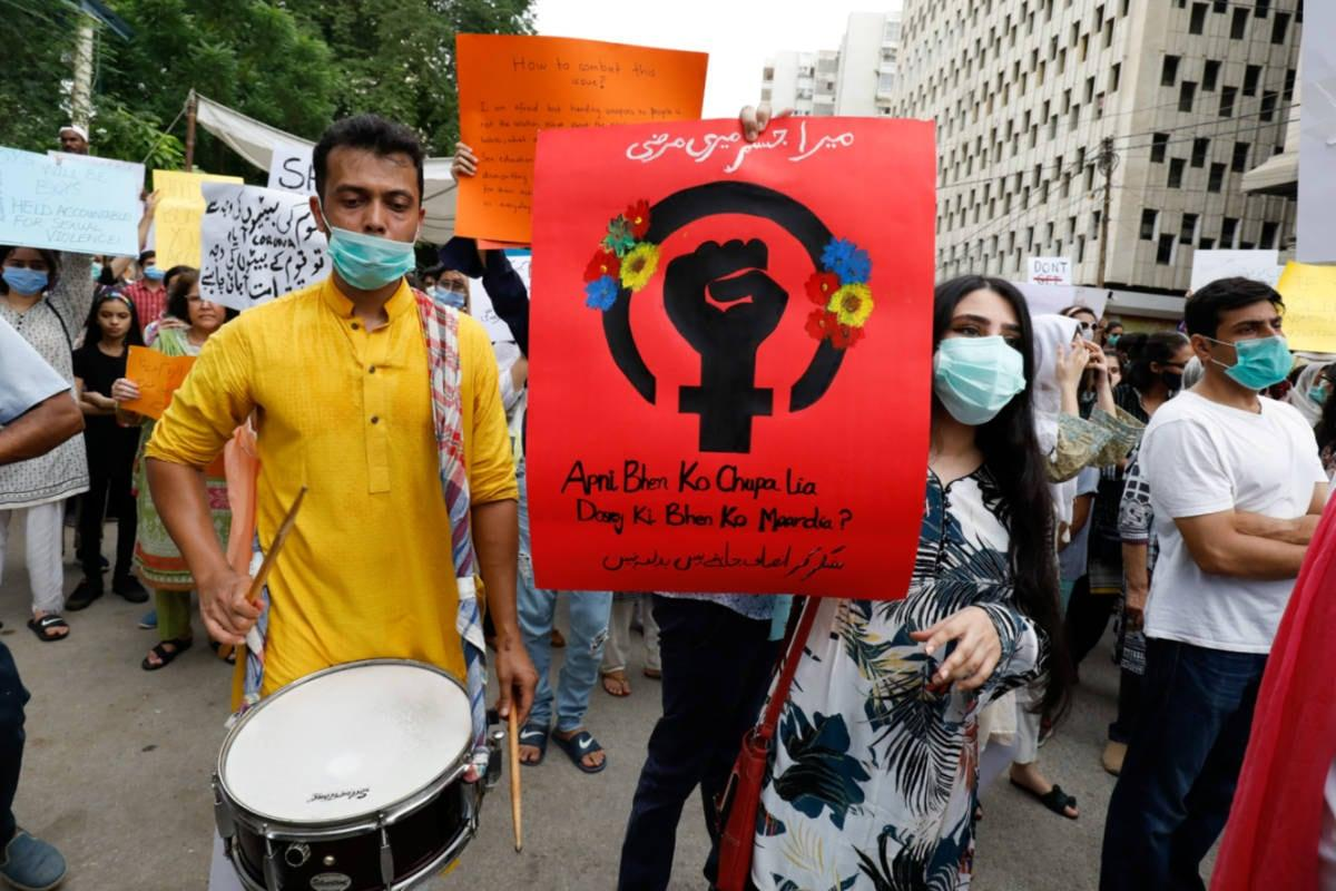 Pakistan Cabinet Approves Chemical Castration of Rapists, Special Courts for Rape Trials