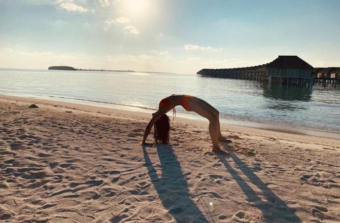 Rakul Preet Singh's Maldives diaries: Actress gets temperature soaring in a bikini