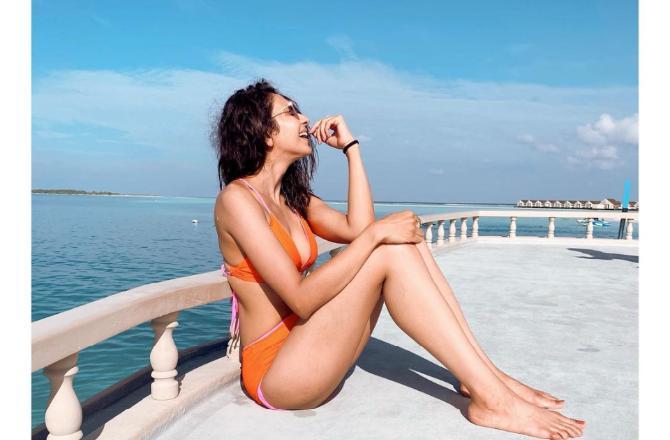 See Photo: Rakul Preet Singh dazzles in orange bikini as she soaks in sun in Maldives