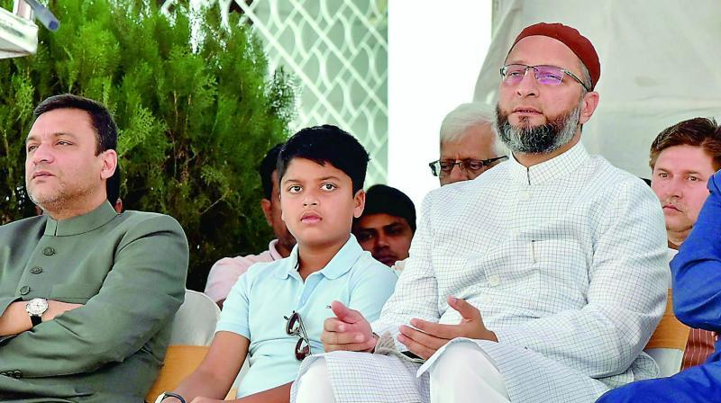 Top AIMIM leaders in Bengal join Trinamul Congress
