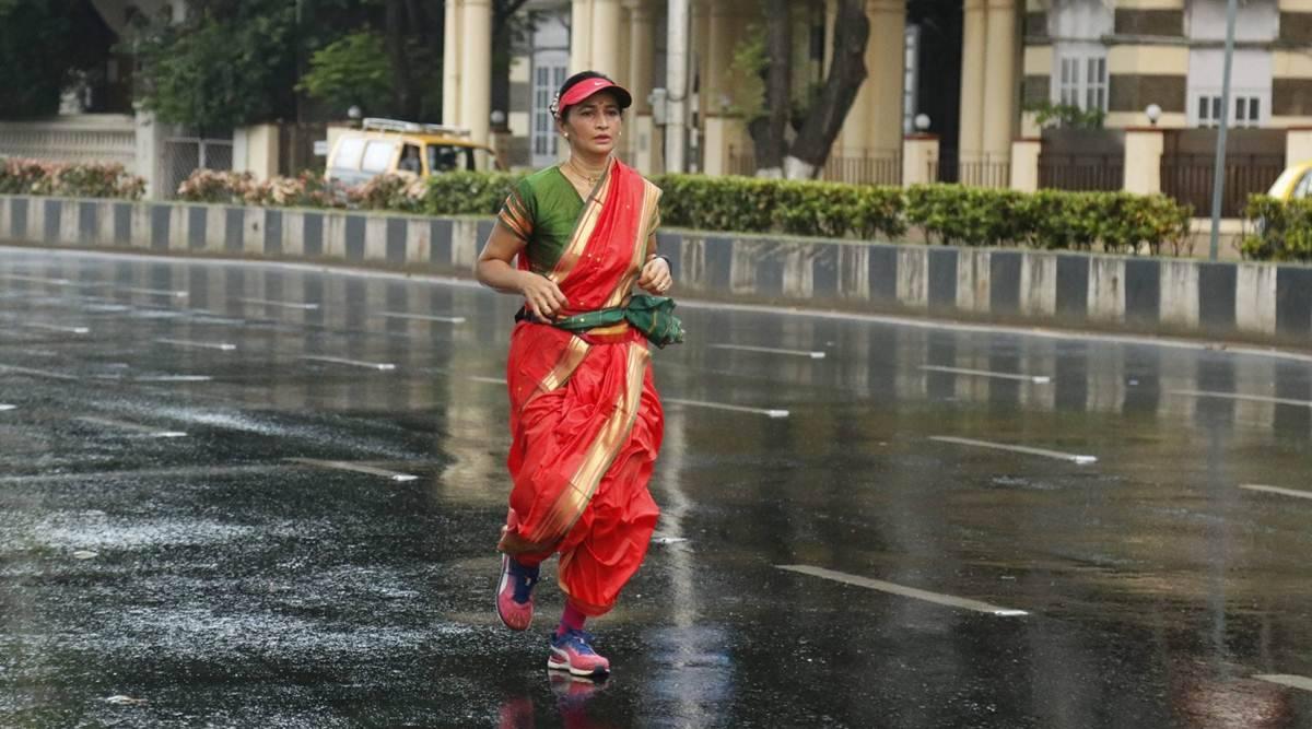 Whole nine yards: Berlin to Mumbai, Salvi's sari run