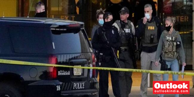 Wisconsin Mall Attack Leaves Eight Injured, Shooter On The Run
