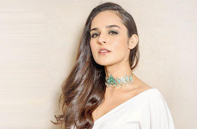 Angira Dhar to star in Ajay Devgn's Mayday