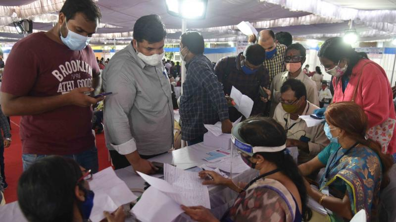 GHMC polls: Many don't get voters slips, not mandatory