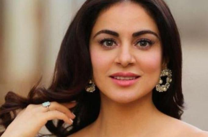 Kundali Bhagya's Shraddha Arya is all set for the New Year with her SPECIAL ONES; gives a sneak peek
