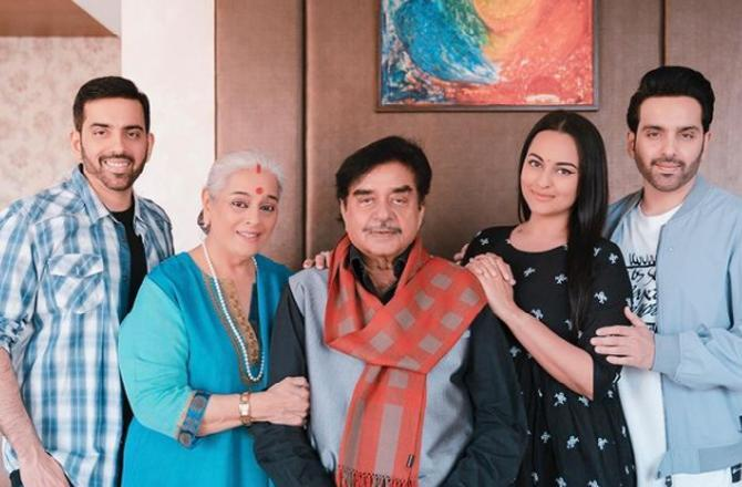 Sonakshi Sinha shares a perfect family picture on father Shatrughan Sinha's  birthday - PressboltNews