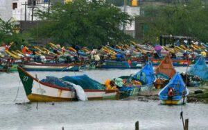 Unsafe to leave boats at sea, say T.N. fishermen