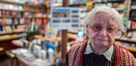 Helga Weyhe, Germany's Oldest Bookseller, Dies at 98