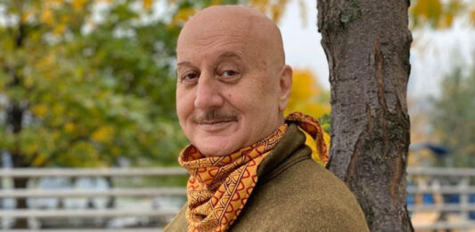 Anupam Kher Opens About The Candid Videos Ft. His Mom!