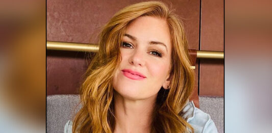 Isla Fisher Says First Day On Set Is