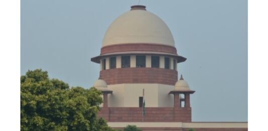 SC allows Kerala scribe to see terminally ill mother, bars him from interviews or public meeting (Lead)