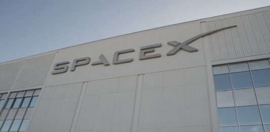SpaceX reportedly raised the best part of a billion dollars to fund future missions